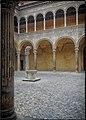 Chiostro del Palazzo Ariosti Bevilacqua.jpg