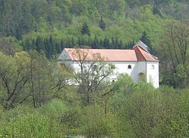 Church in Cernvir.jpg