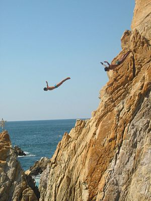 Cliffdivers in La Quebrada, Acapulco, Guerrero, Mexico