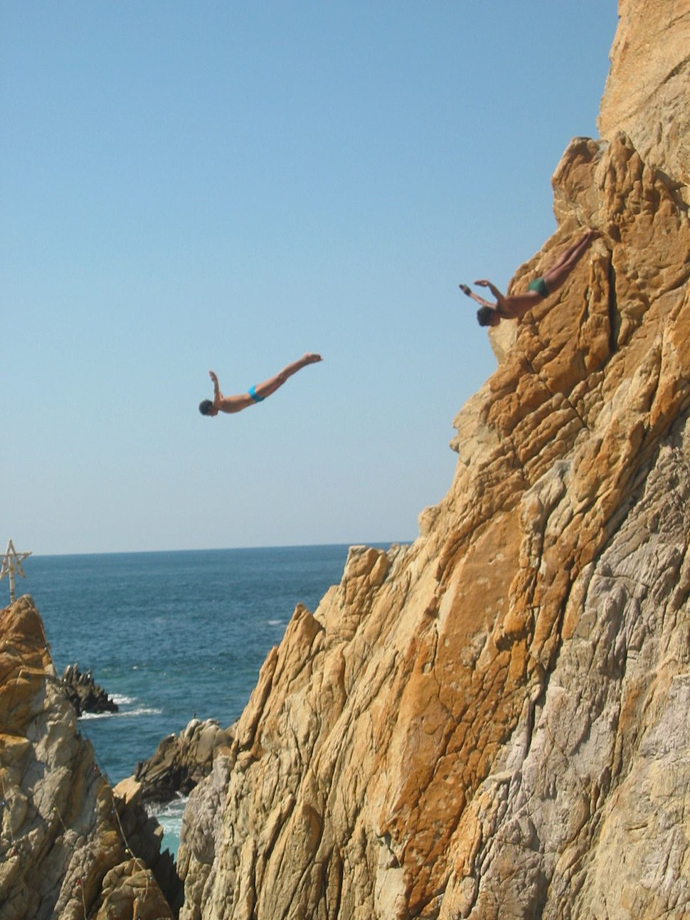 Cliffdivers in La Quebrada, Acapulco, Guerrero, Mexico