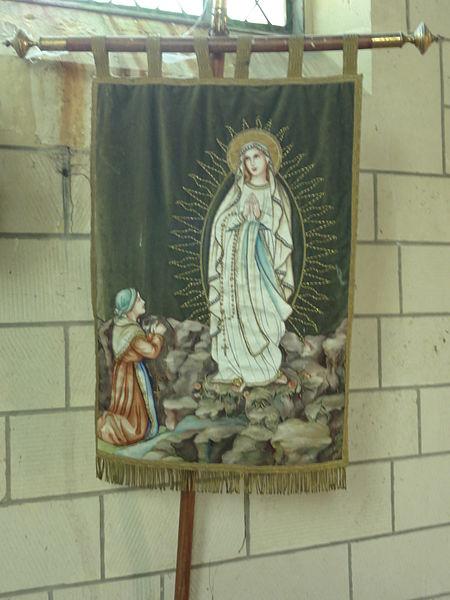Colligis-Crandelain (Aisne) église Saint-Nicolas de Colligis, bannière de procession