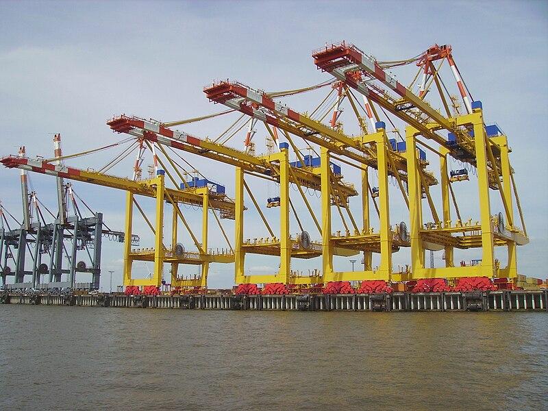 File:Container cranes Bremerhaven.jpg