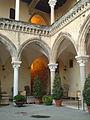 Cortile interno Museo archeologico nazionale tarquiniense 03.JPG