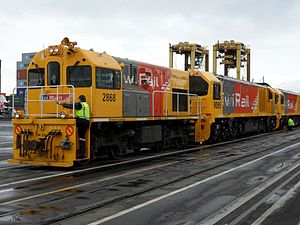 New Zealand DH class locomotive - DH 2868 shunting two DLs at Port of Auckland.