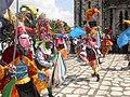 Danzantes en Frente a la Parroquia de San Miguel Arcangel - panoramio.jpg