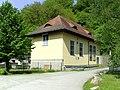 Das Wasserkraftwerk des Klosters Schweiklberg.jpg