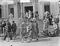 Defile voor Koninklijk gezin op Soestdijk, Bestanddeelnr 904-5436.jpg