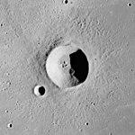 Diophantus crater AS15-M-2332.jpg