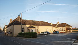 Dollot-place.mairie-08.JPG
