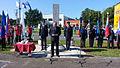 Državni sekretar mag. Miloš Bizjak ob dnevu državnosti nagovoril zbrane na tradicionalni slovesnosti pred spomenikom Dan prej v Divači 1.jpg