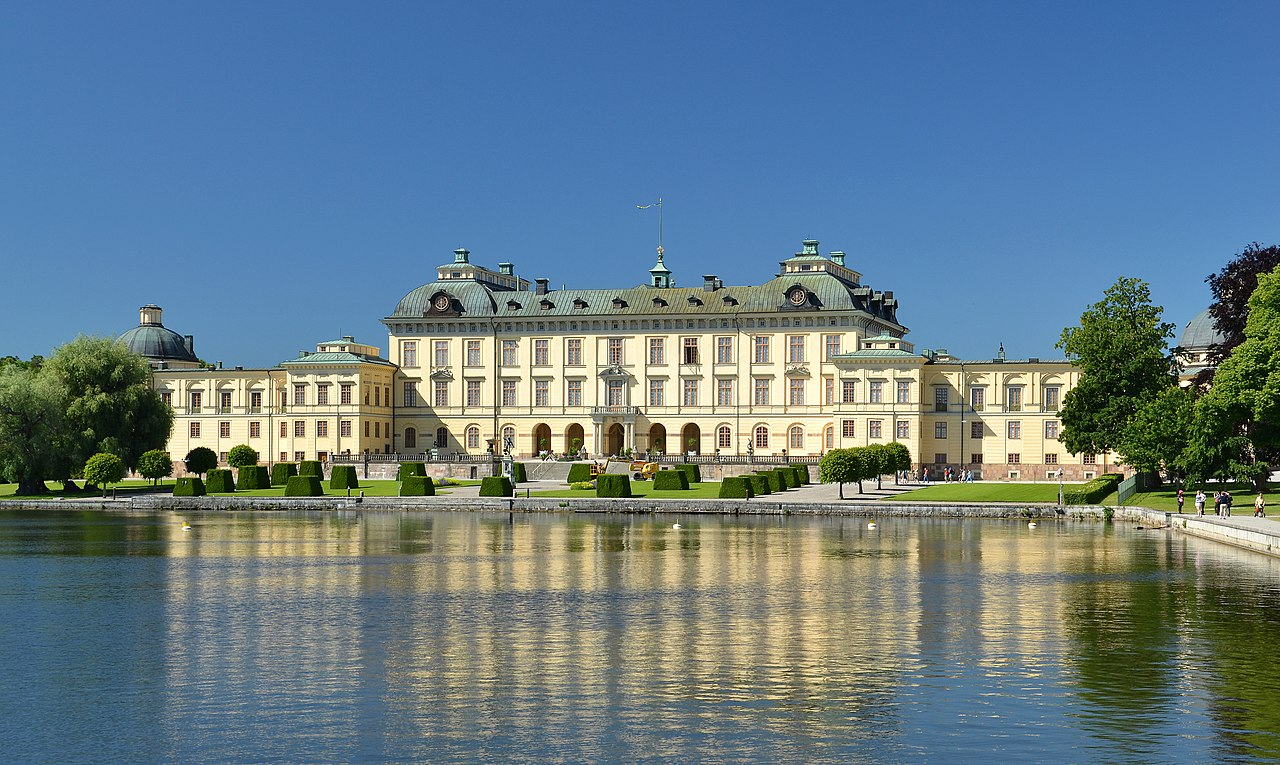 Drottningholm Palace And Boat Tour