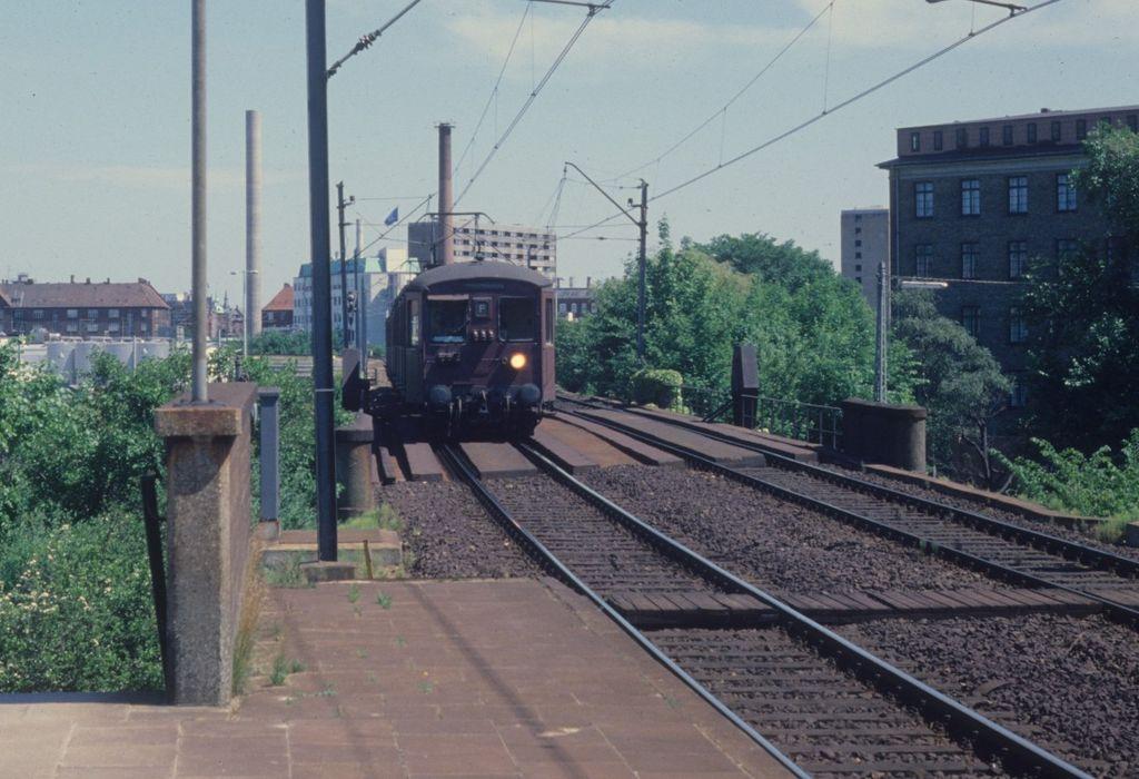 File:Dsb-s-bahn-linie-f-juni-728782.jpg - Wikimedia Commons