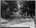 ENTRANCE GATE AND ROAD - La Bergerie, River Road, Barrytown, Dutchess County, NY HABS NY,14-BARTO.V,2-2.tif