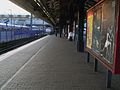 Ealing Broadway stn Central line look west2.JPG