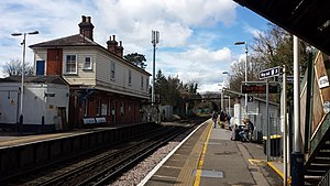 Earley railway station - Image: Earley railway station 2016 03 28 13.15.06