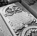 Een grafsteen op de joodse begraafplaats Beth Haïm op Curaçao, Bestanddeelnr 252-7320.jpg