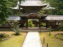 Eiheiji gate.jpg