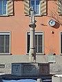 Einsiedeln - Bahnhof und St. Meinrad-Brunnen 2013-01-26 12-50-38 (P7700).JPG