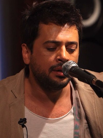 Picture of a band or musician: Emre Altuğ