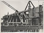 Erection of metal formwork on the southern platform of the Sydney Harbour Bridge, 1928 (8282698133).jpg
