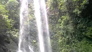 File:Erin-Ijesha Waterfalls.webm