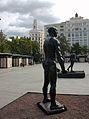Estàtua dels Burgesos de Calais a la plaça de l'Ajuntament de València.JPG