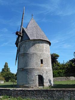 FR 17 La-Brée-Les-Bains - Moulin.JPG