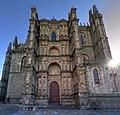 Fachada de la Catedral Nueva de Plasencia.jpg