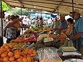 Feira livre de sábado em Jaguariúna - 2011-09-09 - Isack - panoramio.jpg