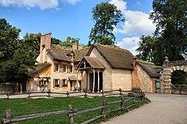 Ferme du hameau de la Reine (3).jpg