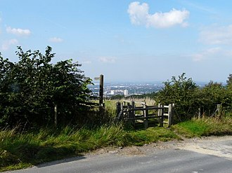 Werneth Low - Image: Footpath to Gee Cross geograph.org.uk 972681