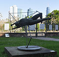 Frankfurt Städel Skulpturengarten Butler Frau im Raum 1.jpg