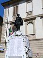Fubine-monumento caduti e municipio.jpg