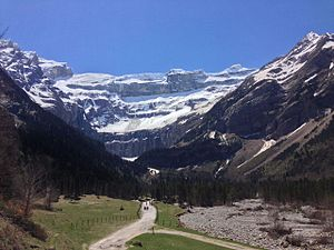 Cirque de Gavarnie - Snow on the walls of the Cirque de Gavarnie.