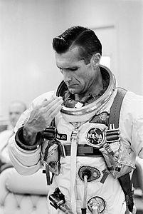 Gemini 11 Gordon suits up.jpg