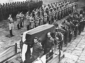 Władysław Sikorski's death controversy - Sikorski's body being carried onto a ship at the Gibraltar Naval Base after his funeral
