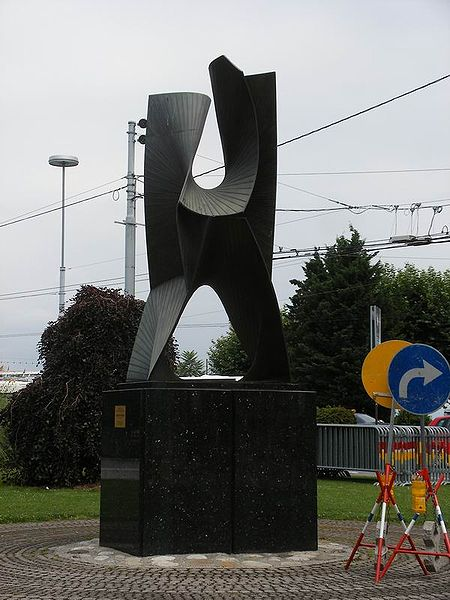 File:Geneva Pevsner Construction spatiale.jpg