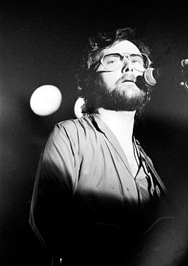 Gerry Rafferty tijdens een optreden in hetNational Stadium te Dublin (6 september 1980)