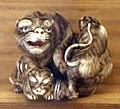Giappone, periodo edo, netsuke (fermaglio per inroo), xix secolo, 004 tigre e tigrotto.jpg