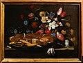 Giuseppe recco, natura morta con pane, biscotti e fiori, 01.JPG