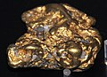 Gold-quartz river clast (placer gold) (California) (17010865306).jpg