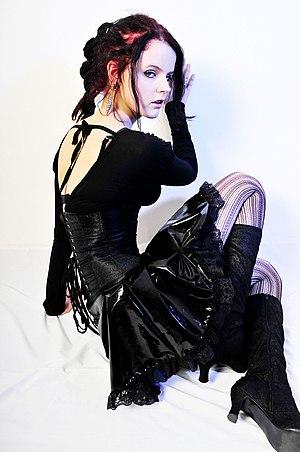 English: Gothic girl.