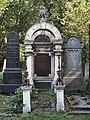 Grave of Jacob Kraus and his wife Ernestine (née Kantor), Vienna, 2018.jpg