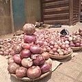 Hausa alubasa, alubosa, onion bulbs itoku market onion merchant 02.jpg