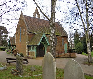 Hitchin Cemetery - Image: Hitchin Cemetery Chapel 1