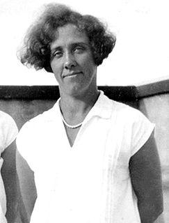 Hjördis Töpel swimmer