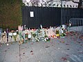 Hommage aux victimes des attentats du 13 novembre 2015 en France au Consulat de France de Genève-09.jpg