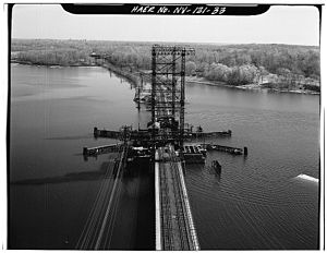 Hutchinson River - The Hutchinson River Bridge carries Amtrak's Northeast Corridor