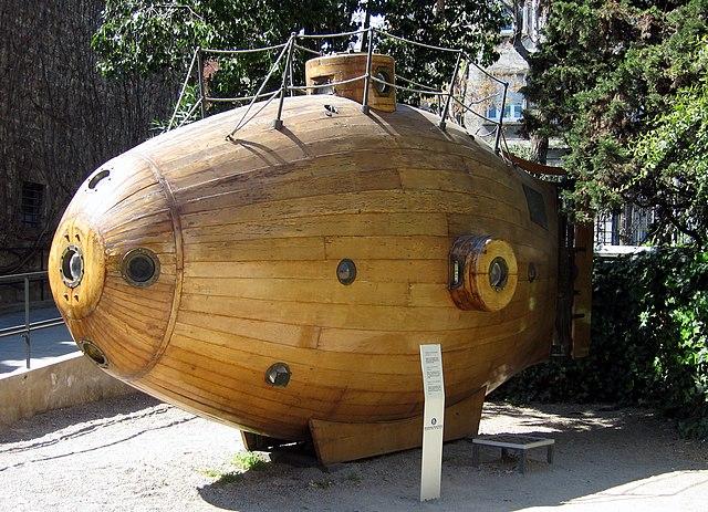 Replique du sous marin Ictineo, devant le musée maritime de Barcelone - Photo de Till F. Teenck