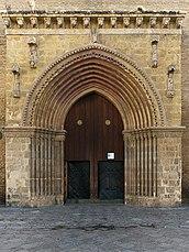 Iglesia de Santa Marina. Portada.jpg